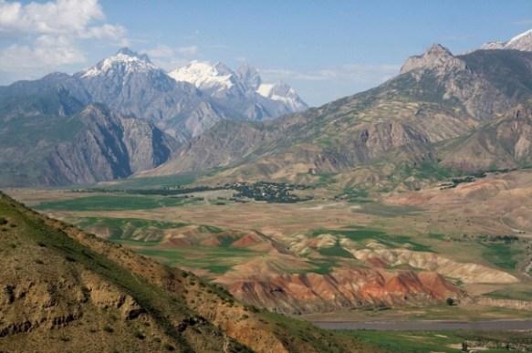 afg-tajik boarder