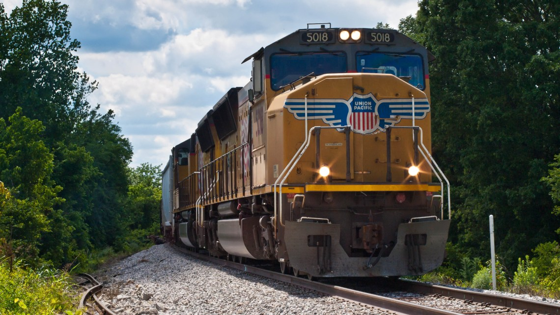 Eastbound Union Pacific Train about to cross over the Tennessee River in New Johnsonville, Tennessee