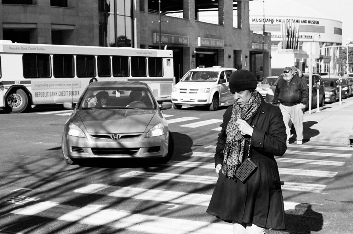 Nashville Street Photography. Shot on Kodak Trix-400 (35 mm Gelatin Silver)