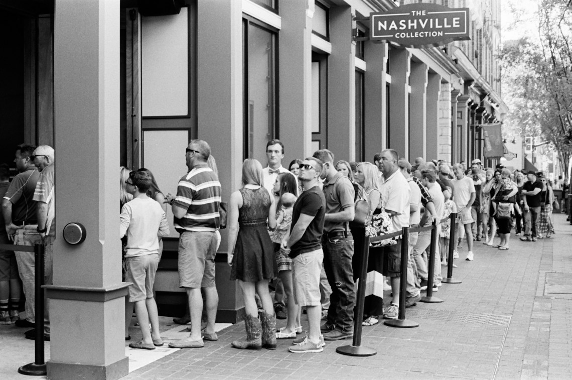 Waiting for the Wildhorse Saloon - Nashville, Tennessee - Olympus OM1 / 50mm f1.8 / Kodak TRI-X 400 / FINDLab Waiting for the Wildhorse Saloon - Nashville, Tennessee - Olympus OM1 / 50mm f1.8 / Kodak TRI-X 400 / FINDLab