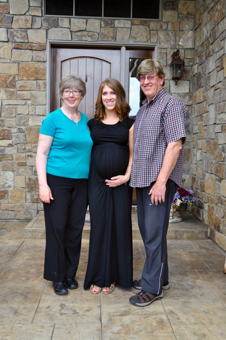 Mom-to-be-and-grandparents
