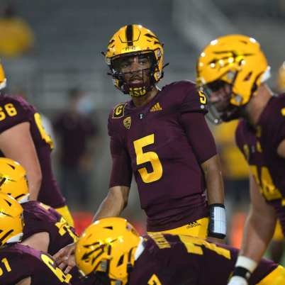 Arizona State Quarterback Jayden Daniels Leaves Game Early - Arizona State  Sun Devils on Sports Illustrated: News, Analysis, and More
