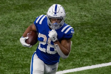 Colts Running Back Jonathan Taylor Makes Debut on PFF's 'NFL Team of the  Week' - Sports Illustrated Indianapolis Colts News, Analysis and More