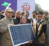 Shahbaz Sharif distribute Solar Home Systems in Bahawalpur (19)