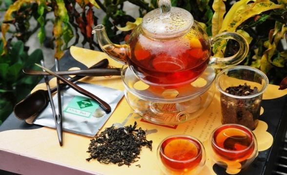 Hillside Blend Black prepared as hot tea