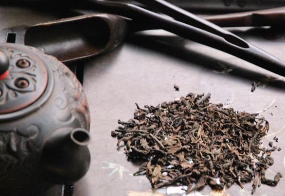 Preparing ripened Lincang Pu Erh Tea