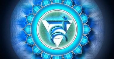 quinto chakra, esercizi yoga per il quinto chakra, quinto chakra posteriore