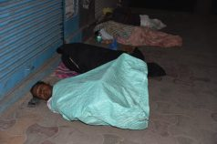Hundreds of homeless people brave winter freezing nights, some cannot afford even a blanket sleeping under the open sky on roadside footpaths of Hyderabad. (Photo: Laeeq)