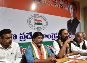 Telangana state Congress chief N Uttam Kumar Reddy addressing Media persons in presence of Ex MP V.Hanumant Rao, Mallu Bhatti Vikramarka CLP leader, EX MP Konda Vishweshwar Reddy at Gandhi Bhavan in Hyderabad