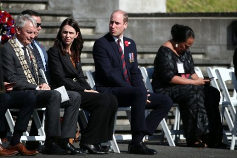 Britain's Prince William (2nd R) and New Zealand Prime Minister Jacinda Ardern (2nd L) attend the Anzac Day service at Auckland War Memorial Museum on April 25, 2019. - Dawn services were held across the two countries on the anniversary of the ill-fated 1915 campaign of the Australian and New Zealand Army Corps that left 11,500 of them dead in what is now Turkey during World War I. (Photo by Fiona Goodall / AFP)
