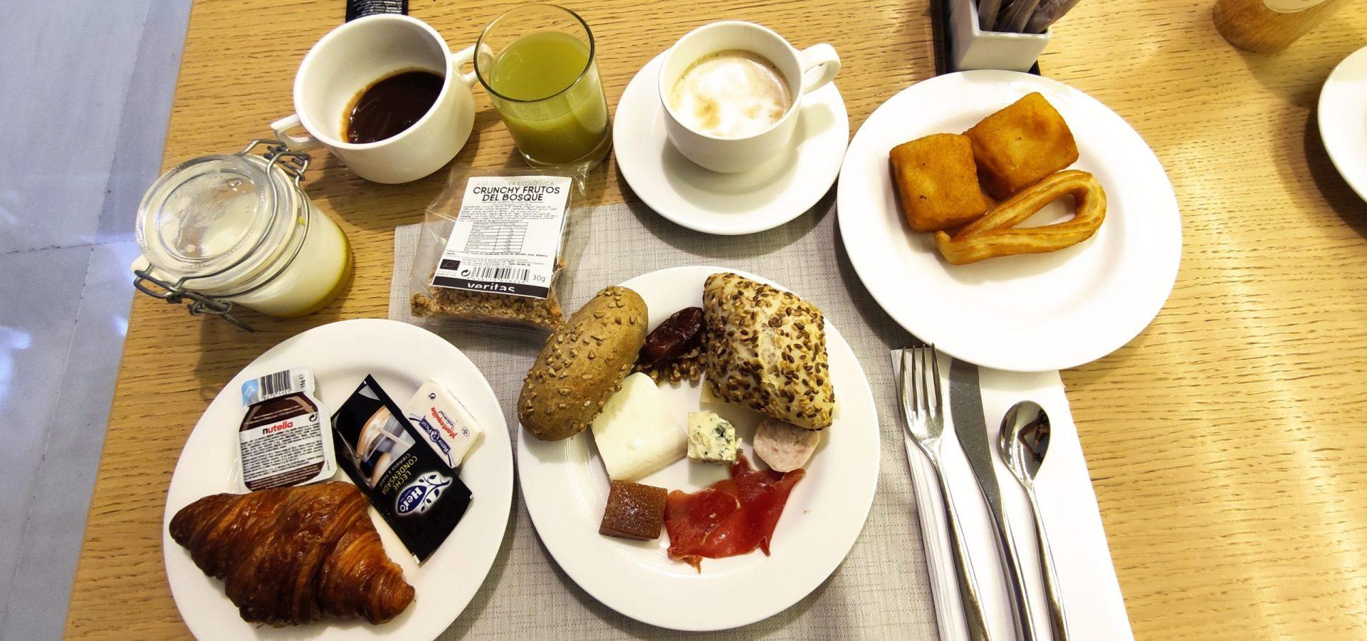 Desayuno hotel Meliá Lebreros