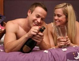 momentet intime Festa e seksit apo Festa e Shen Valentinit...