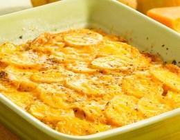Patate me veze dhe qepe ne furre. Receta gatimi te thjeshta.