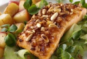 Samanta gatuan. Ja cfare recete ju sugjeron per sot. Salmon i fresket me arra te grira feta salmoni