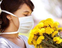 Jeni alergjike ne pranvere? Ja cilat fruta nuk duhet te hani.
