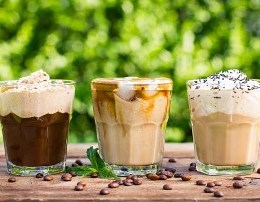 Kafe te ftohta ne shtepi. Cilen preferoni me shume kafeja