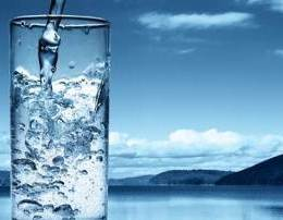 Pergatitni ne shtepi ujin qe vret kancerin. Uji alkaline.Ndikimi i Alkalines Receta Detoksifikuese