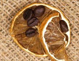 Dhimbjet luftohen me kafe dhe limon. Duhet ta provoni.