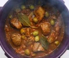Gjelle me ullinj dhe mish vici. Gatime shqiptare.