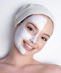Maska te ndryshme per fytyren tuaj me perberes te zakonshem.