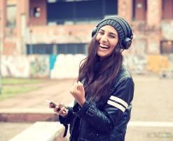 Lumturia jote varet prej teje, prej askujt dhe asgjeje tjeter.