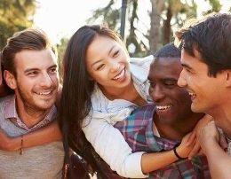 Sugjerime psikologjike qe do ju ndihmojne sa here te ziheni ngushte