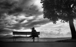 Njeriu nuk vdes ne varrimin e tij. Vdes kur harrohet nga te dashurit e tij.