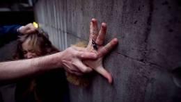 Perdhunimi dhe pasojat psikologjike e fizike qe le tek viktima.