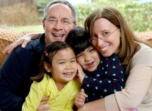 A jane vertete te lumtur femijet e adoptuar?! Psikologji