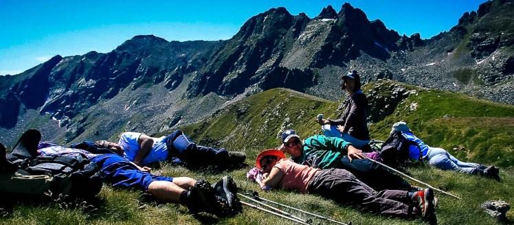 Randonnée Ariège groupe vers le refuge du Rhule