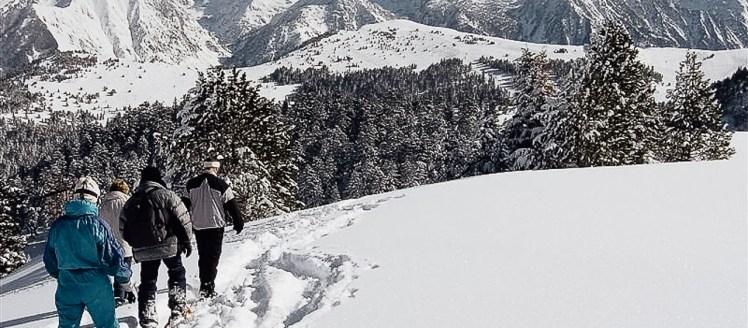 Raquette à neige Ariège groupe sur Bonascre