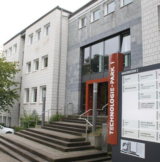 Die Niederlassung von AZS System AG in Kaiserslautern nun früher als geplant ausgebaut.