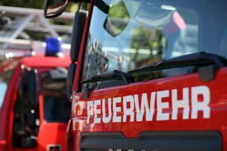 Eine kommunale Feuerwehr kann auch Sicherheitsleistungen für Unternehmen erbringen.