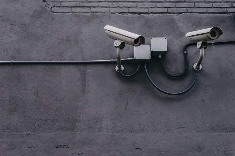 Kamera am Gebäude