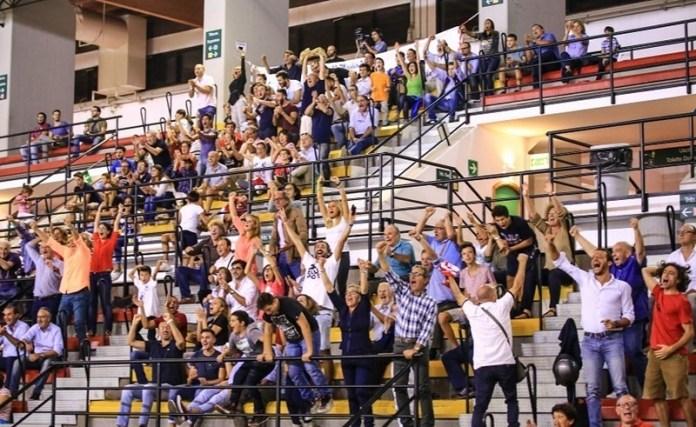 tifosi Aquila Basket Palermo al PalaMangano
