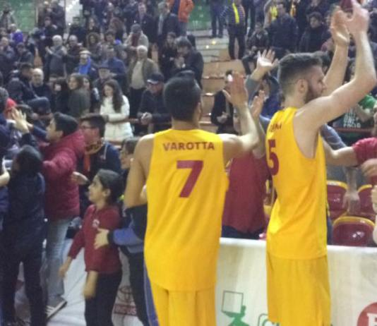 Barcellona festeggia la vittoria con Forlì