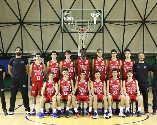 Ursulo D'Almeida con l'under 16 dell'Olimpia Milano