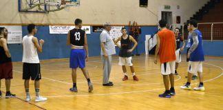 Coach Anselmo a lavoro con l'Amatori Basket Messina