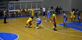 Ivan Stuppia in azione in Nuova Pallacanestro Messina - Azzurra Pozzallo