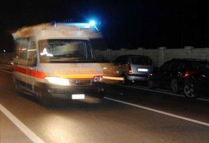 Investito mentre attraversa la strada, morto diciassettenne a Palermo