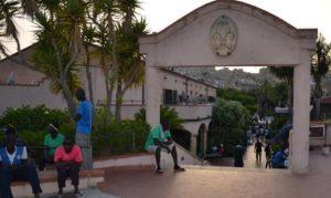 Rintracciati solo 5 migranti tra quelli fuggiti ieri dall'ex Villa Sikania