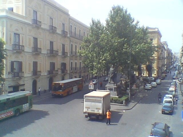 catania webcam via etnea