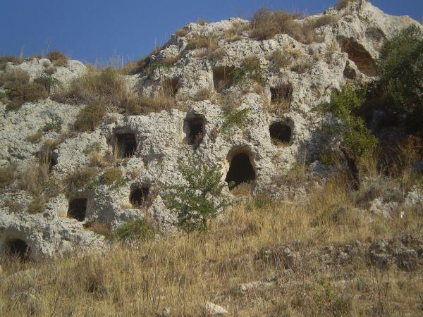 La necropoli della Montagna (XVIII-VIII a.C.)