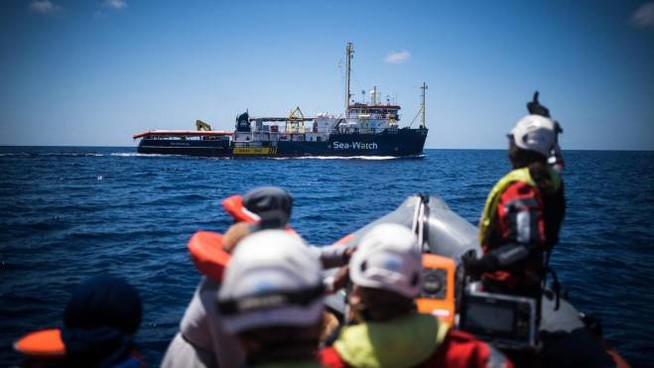 Migranti: Sea Watch sequestrata