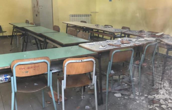 Tremestieri etneo, crolla il soffitto in una scuola primaria