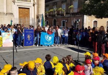 Giarre e la marcia dimostrativa dei diritti dell'infanzia