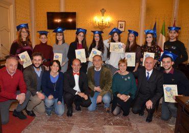 Gala natalizio delle Eccellenze, la Fondazione Bellini premia i diplomati acesi alla maturità 2019
