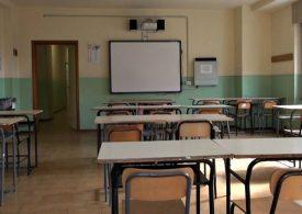 """Giarre, Istruzione: """"mentre il mondo rallenta, la nostra scuola accelera"""""""