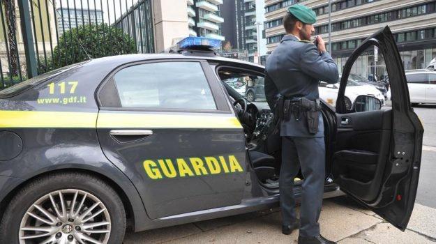Catania: spaccio di droga e furti, undici arresti