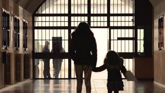 Maternità in carcere e bambini prigionieri